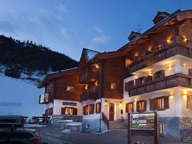 Learn How a 3-Star Alpine Hotel Engages Guests On-Site and Tops OTA Rankings